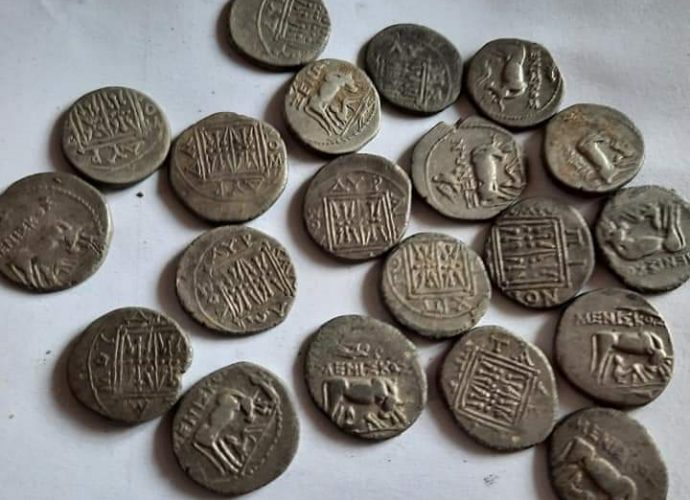 Hoard of 20 Greek drachmas from the 1st century BC